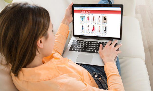 Faites des affaires sur les boutiques de vêtements sur internet