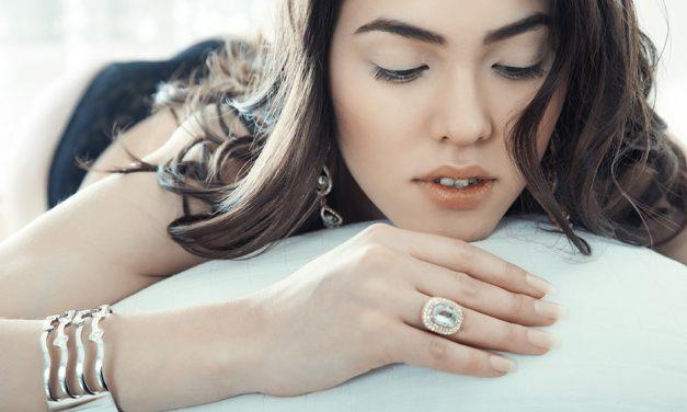 Des bijoux en argent pour accessoiriser votre look