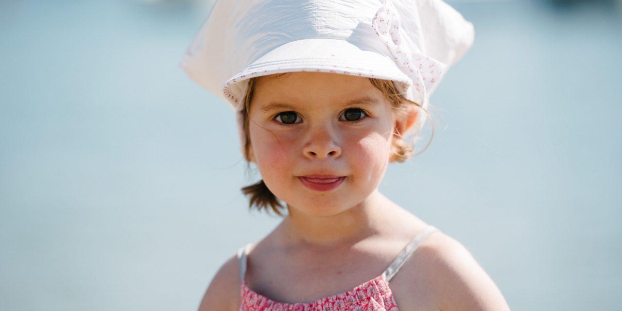SOWAY lance sa collection de chapeaux anti-UV et anti-infrarouges pour enfants