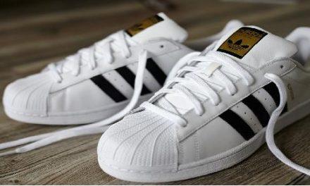 La classe avec les sneakers Superstar