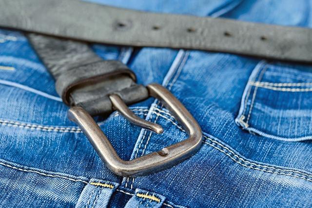 Le vêtement d'occasion : est-ce une bonne idée ?