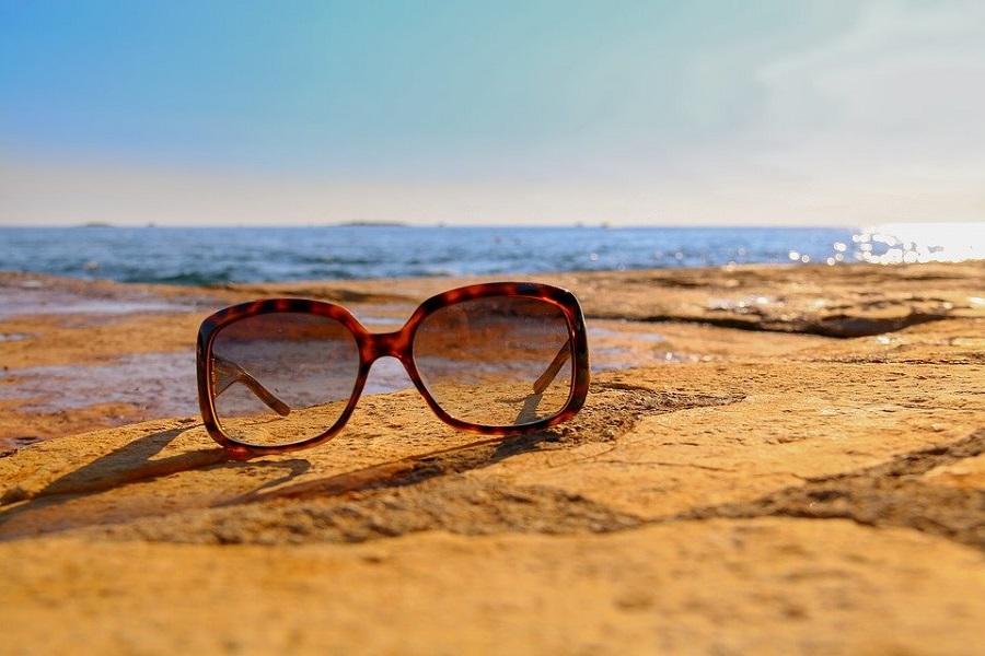 Lunettes de soleil tendances : le guide pour bien choisir