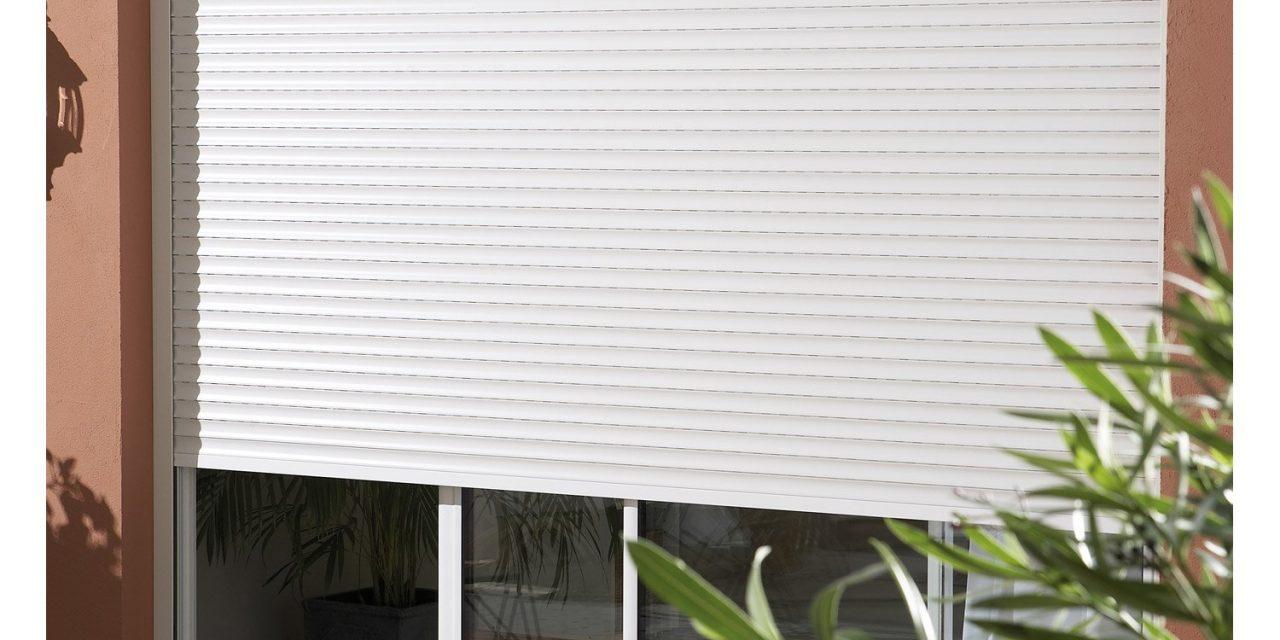 Rideau métallique électrique ou manuel, lequel choisir pour votre maison  ?