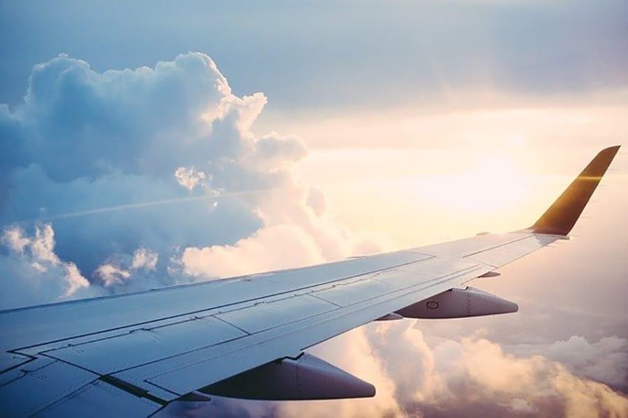 Senior en voyage : comment prévenir et gérer les problèmes de santé