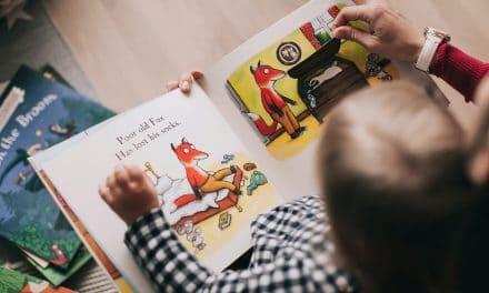 Comment éduquer les enfants à lire au lieu de manipuler une tablette?